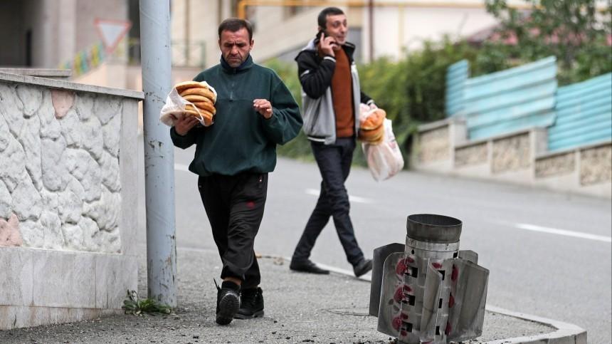 Более 20 взрывов заночь: Степанакерт вновь оказался под огнем