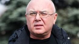 Журналиста ителеведущего Павла Лобкова увезли на«скорой»