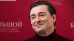 «Саша Белый— это страшная энергетика»: Сергей Безруков о«Бригаде», Есенине иконцепции всепрощения
