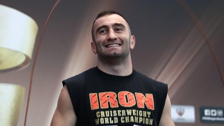 Гассиев пригласил дерзкого боксера изСША вСеверную Осетию