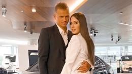 Почему супруга Тарасова хочет уменьшить алименты футболиста его первому ребенку?