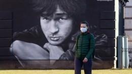Студенты-юристы встали назащиту граффити сизображением Бодрова, Цоя иЗины Портновой вПетербурге
