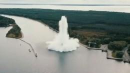 Пятитонная бомба взорвалась вПольше при разминировании— видео