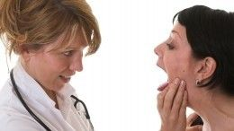 Кому может грозить рак языка? Онколог перечислил факторы риска— видео
