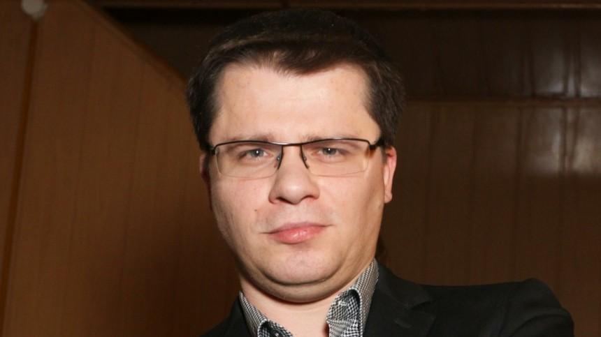Харламов ответил напредложение Бузовой поучаствовать в«Ледниковом периоде»