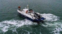 Троих человек ищут после крушения маломерного судна вБаренцевом море