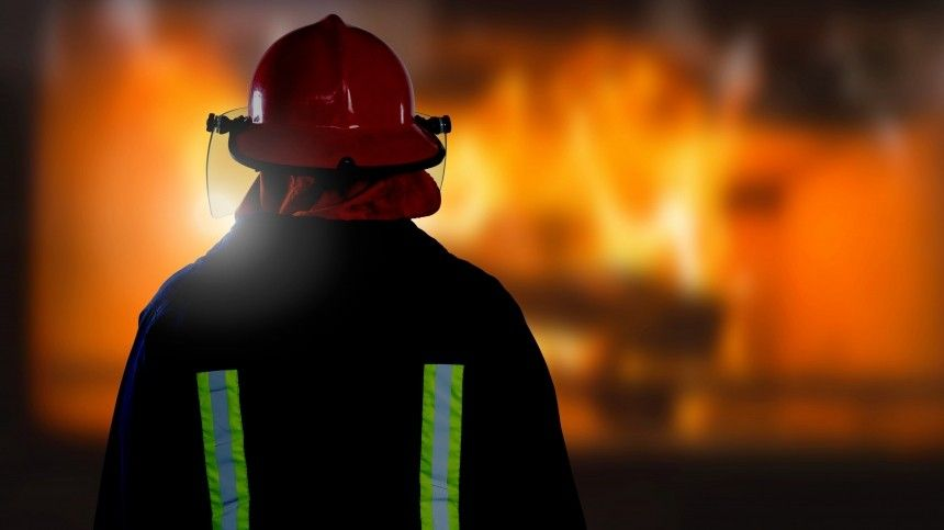 Двое детей иженщина погибли при пожаре вжилом доме вИркутской области