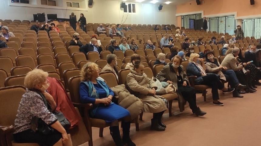 ВПетербурге ветеранам показали малоизвестных артистов поцене «Би-2»
