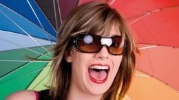 Нежные блондинки истрастные брюнетки: как настроение женщины влияет нацвет волос?