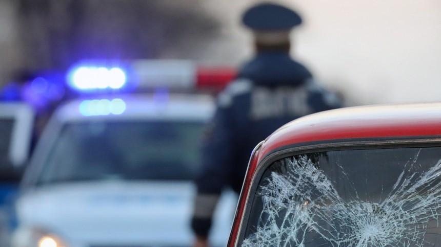 Возвращавшийся сместа крушения вертолета под Вологдой чиновник попал вДТП
