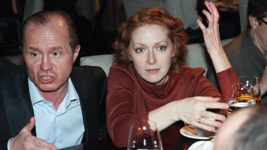 Как живет после смерти Андрея Панина его вдова Наталья Рогожкина?