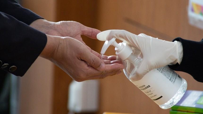 ВМинздраве назвали неэффективным ношение перчаток вборьбе сCOVID-19