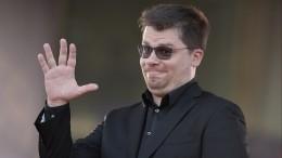 «Какая клавиатура?»— Харламов выбесил телефонного мошенника инарвался намат
