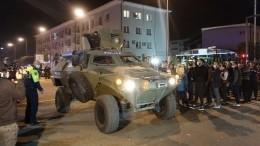 Вооруженный мужчина освободил последних заложников изгрузинского банка искрылся