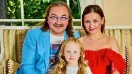 «Выдумщики!»— дочь Николаева отправила сестре воздушные шары изМосквы вМайами