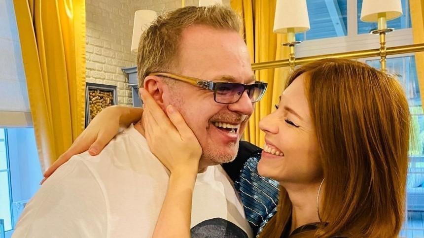 «Несплю сутки»: Подольская выпустила песню одновременно срождением сына