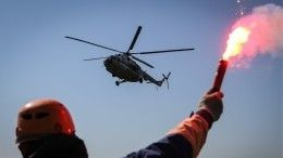 НаЯмале спасли экипаж спопавшего вледяной плен буксира— видео