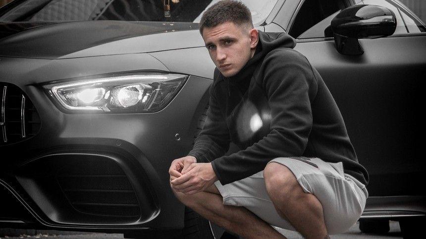 «Идея— огонь!»— блогер сжег Mercedes за13 миллионов рублей «из-за усталости»