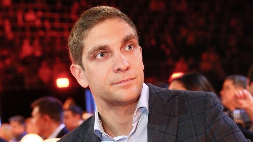 FIA выразила соболезнования Виталию Петрову всвязи сосмертью отца