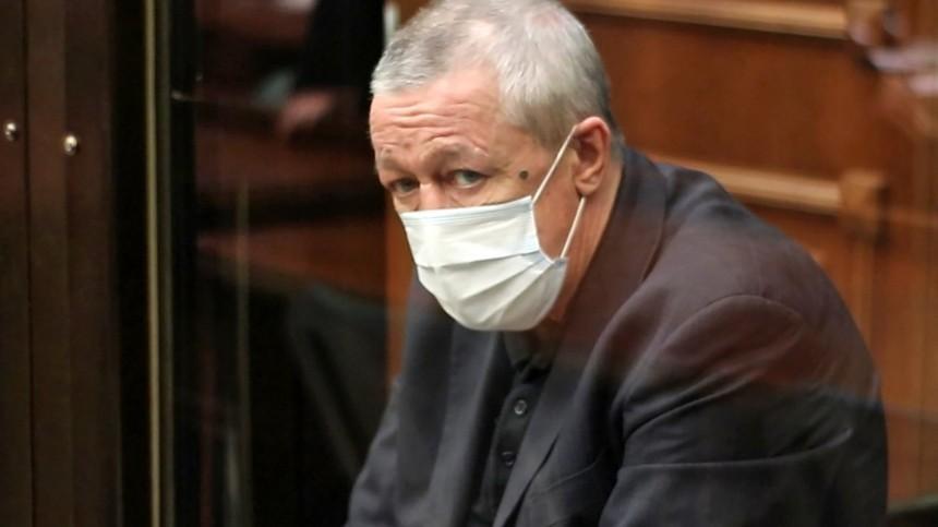 Налоговая арестовала счета осужденного Михаила Ефремова