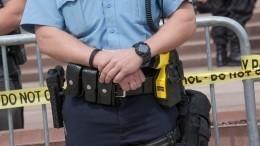 Момент расстрела темнокожего полицейским вФиладельфии попал навидео