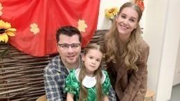 Адвокат рассказал, скем останется дочь Асмус иХарламова после развода