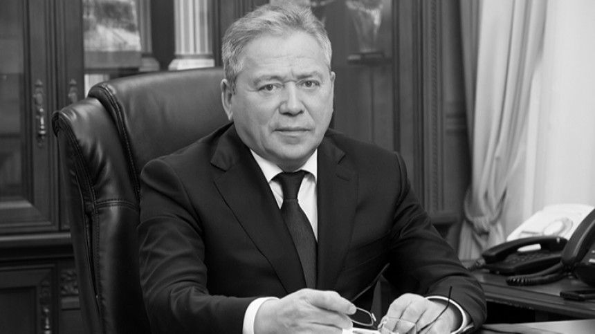 Мэр Уфы умер отосложнений из-за коронавируса