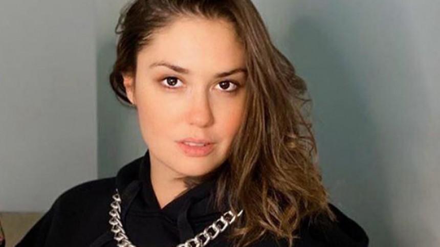 «Хорошо смотритесь»: разведенную Муцениеце заметили вобъятиях холостого актера