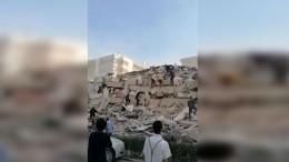 Видео последствий мощного землетрясения напобережье вТурции