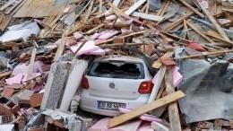 Число пострадавших при землетрясении вТурции увеличилось до438
