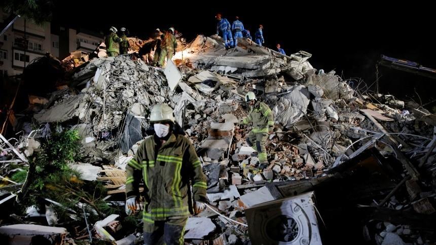 Число погибших при землетрясения вТурции увеличилось до20 человек