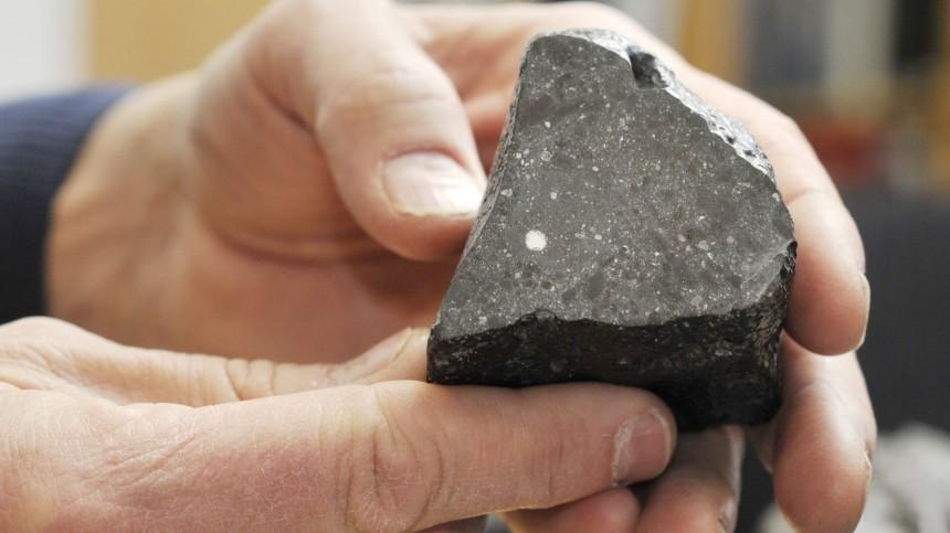 Вупавшем вСахаре метеорите обнаружена вода сМарса