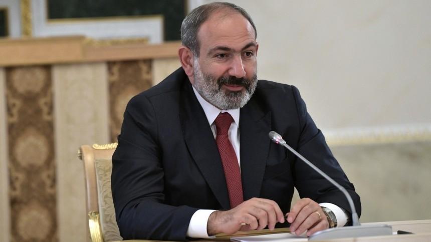 Пашинян попросил Путина начать консультации поподдержке безопасности Армении