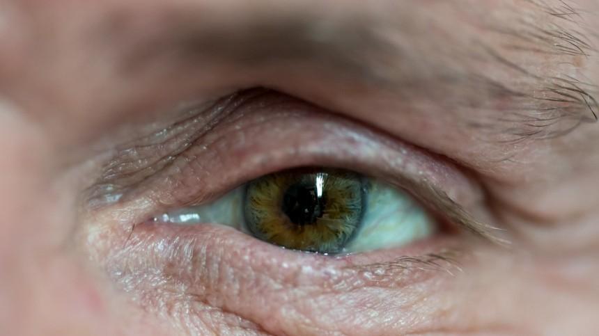 Ученый заявил, что раковую опухоль можно «увидеть» вглазах пациента