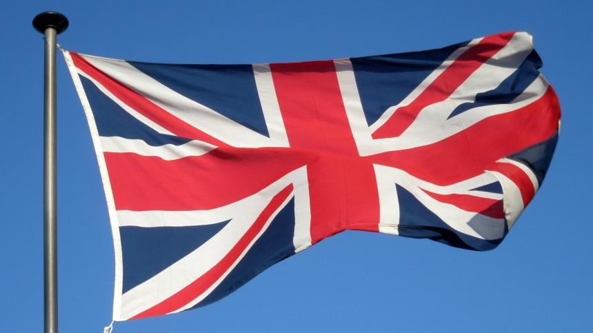Великобритания введет общенациональный карантин из-за коронавируса