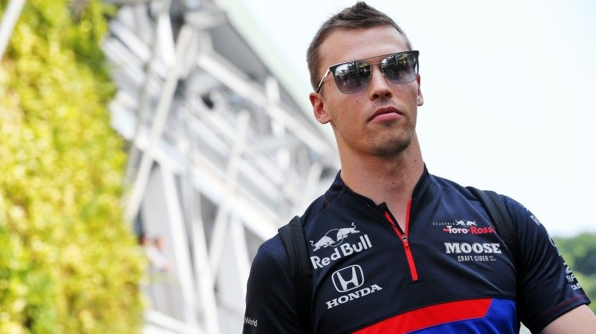 Российский гонщик Даниил Квят финишировал четвертым наГран-при Эмилии-Романьи