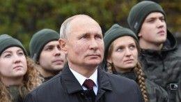 Путин оценил обновленный колокольный звон курантов Спасской башни