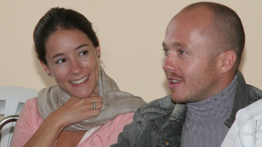 Жена Евгения Стычкина оставила новорожденного сына отцу