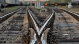 Два вагона электрички сошли срельсов вМоскве