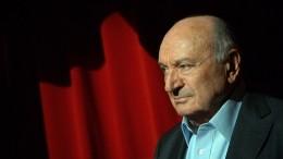 «Пусть лучше над тобой смеются, чем плачут»: лучшие цитаты Михаила Жванецкого