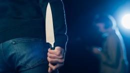 Видео: новые подробности нападения подростка сножом насемью вПетербурге