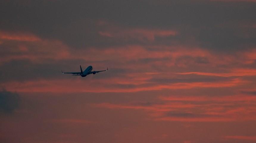 Улетящего изУфы вМоскву самолета частично отказала система электроснабжения