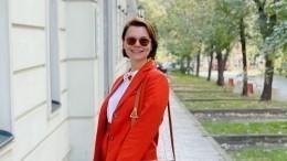 Эксперт оценил тягу Брухуновой кярким нарядам: «Всексе невсе благополучно»