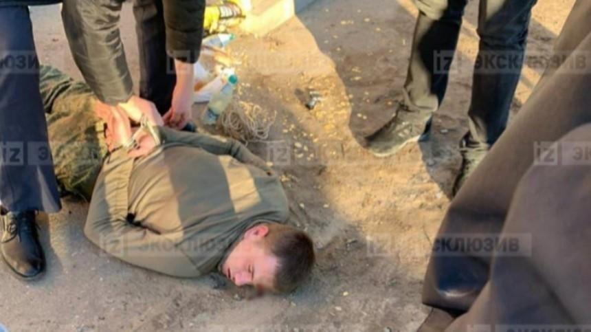 Суд: Солдат-срочник, расстреливая людей, прикрывался одним изних