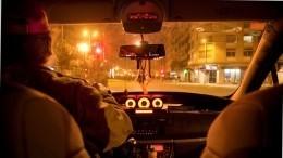 «Вел религиозные разговоры»: Петербурженка заработала сотрясение мозга вбегстве отводителя такси