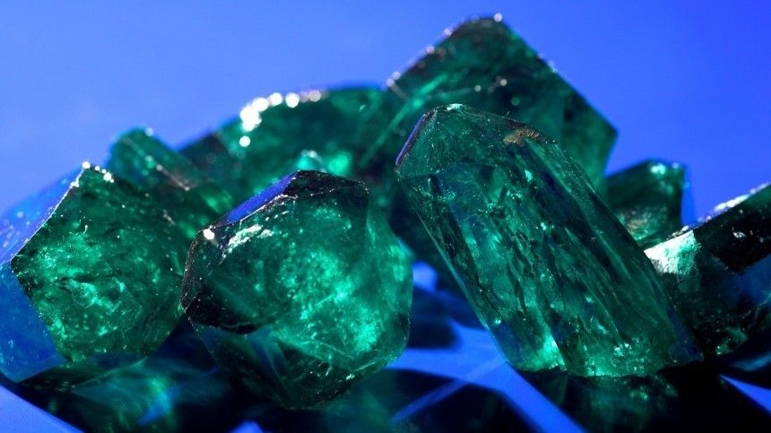 Какие драгоценные камни могут привлечь одиночество?