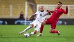 Сборная России пофутболу проиграла команде Турции вЛиге наций