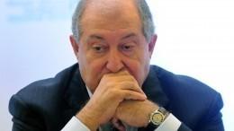 Пашиняна— вотставку? Глава Армении хочет провести досрочные выборы впарламент