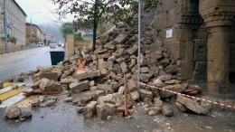 Дожди привели кчастичному обрушению древней крепости вДербенте