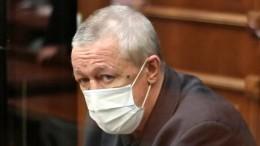 Почему Михаил Ефремов нехотел покидать СИЗО?